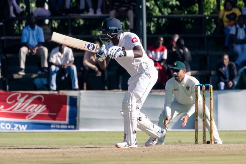 Mathews in control as Sri Lanka close in on lead in Harare