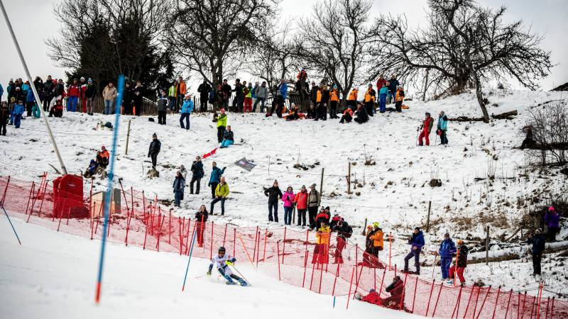 French ski resort tries to calm coronavirus panic