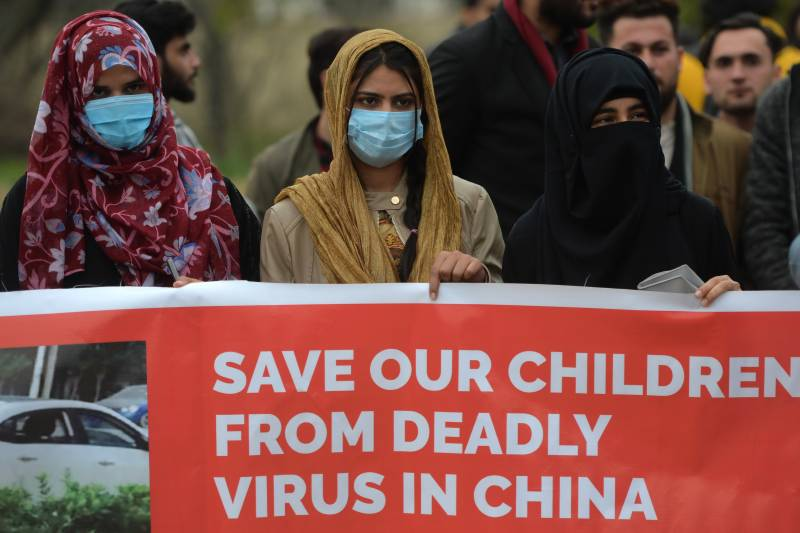 500 Pakistanis stranded in coronavirus epicentre tell of fear, rations