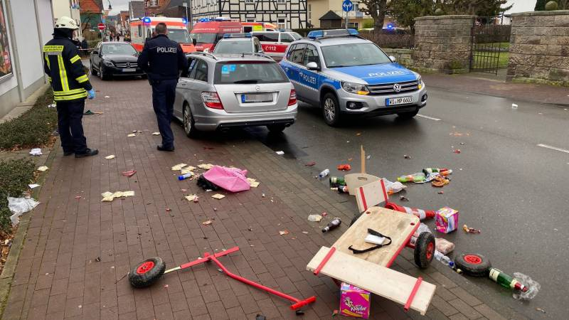 'Several injured' as car rams Germany carnival procession