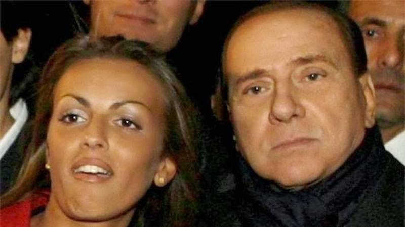 Italy's octogenarian Berlusconi dumps longtime girlfriend for 30-year-old