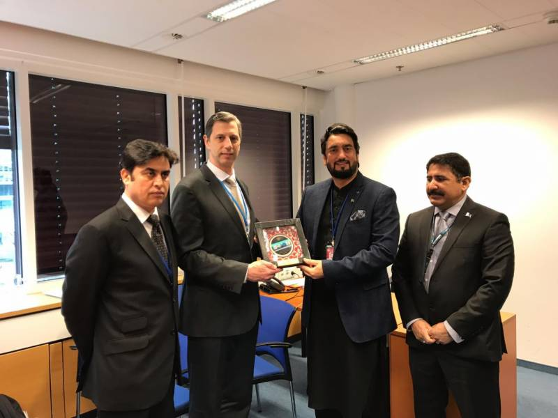 Pakistan, US vow to continue war on drugs
