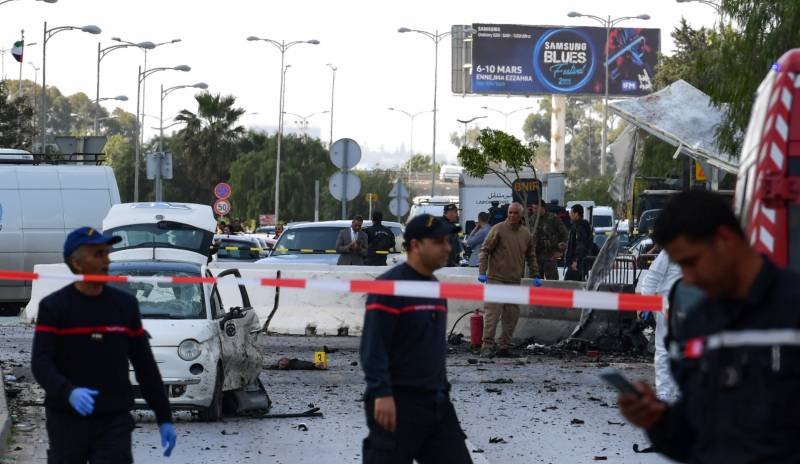 Suicide attackers strike outside US embassy in Tunis