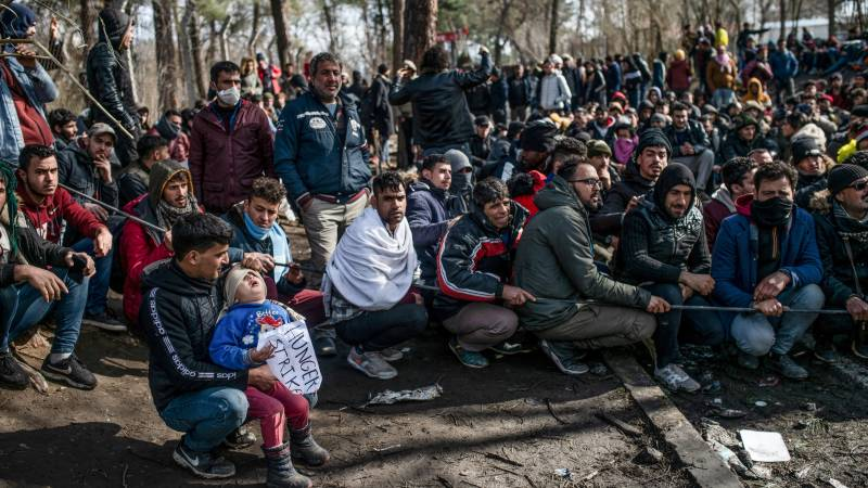Migrants, police in fresh clashes at Turkey-Greece border