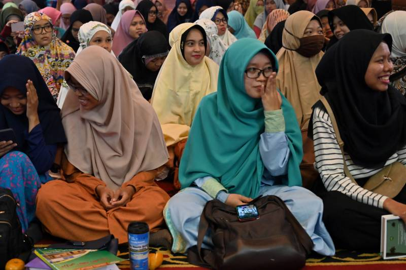 Indonesian singles propose 'marriage without dating'