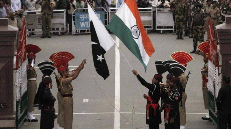 India frees 8 Pakistani prisoners