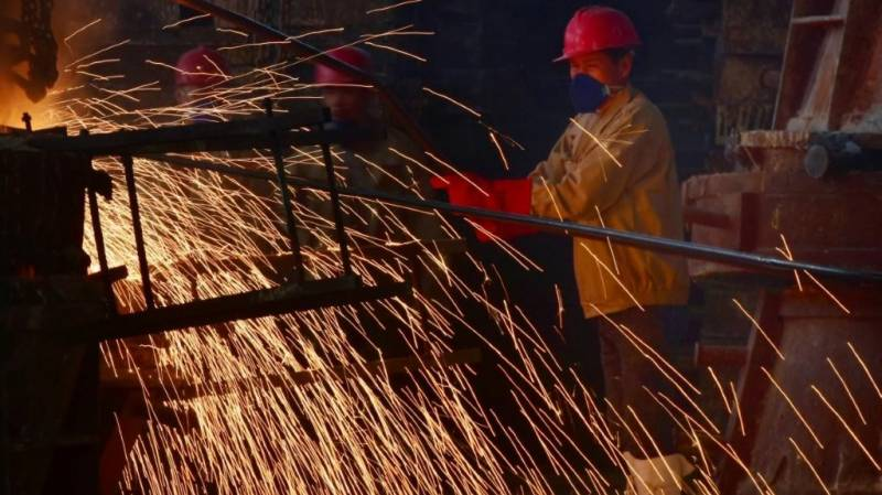 China industrial output contracts for first time in decades