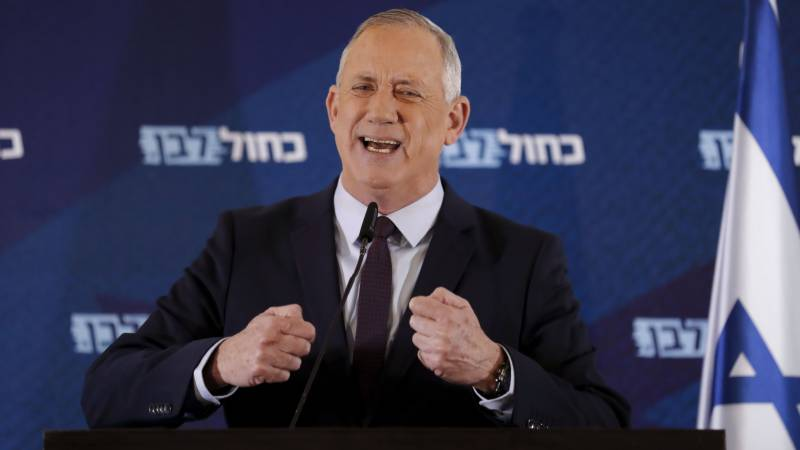 Israel's ex-army chief Gantz gets shot at forming government