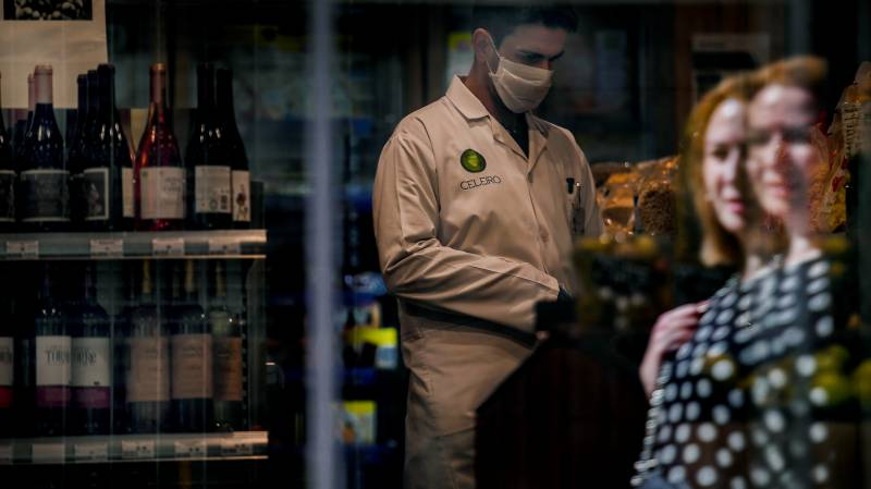 Portugal confirms first death from coronavirus
