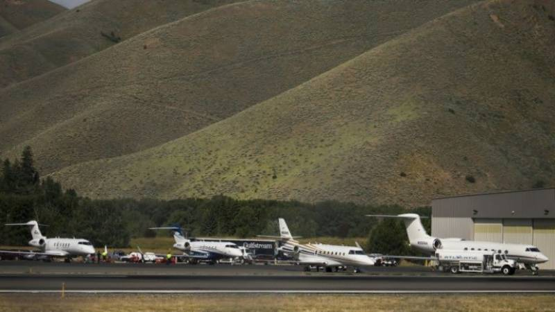 Wealthy flock to private jets as pandemic spreads and airlines tank