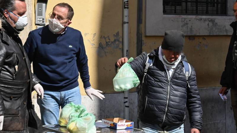 Record 627 new virus deaths take Italy toll over 4,000