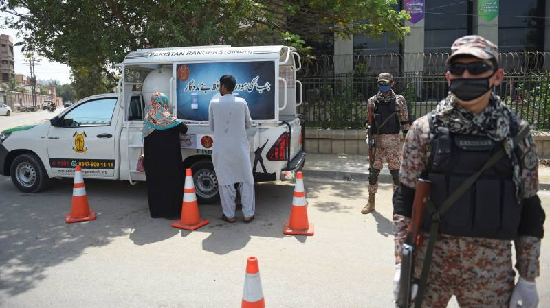 Calls for lockdown grow as virus tally reaches 750 in Pakistan