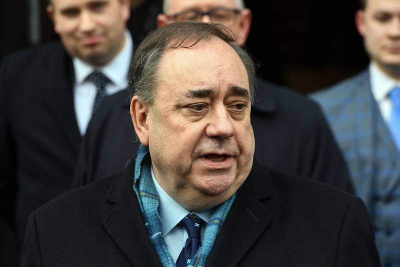 Former Scottish first minister Salmond cleared of sex charges