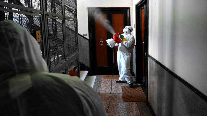 Italy doctors warn of 'bio bombs' from patients sent to care homes