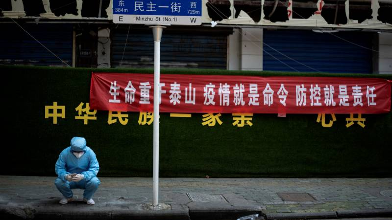 Wuhan virus lockdown over, but lingering fears slow recovery