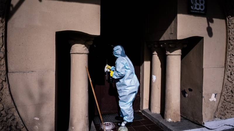 Moscow stretched 'to limit' by virus cases: official