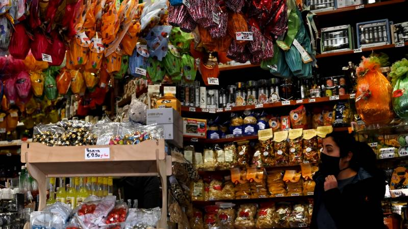 Mafia buying food for Italy's poor to exert more control