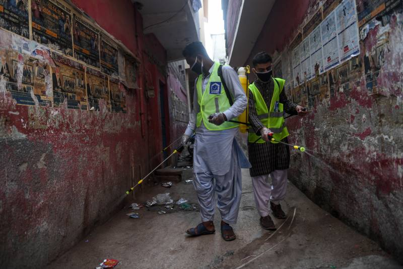 Lahore locality sealed after 17 tested positive for coronavirus