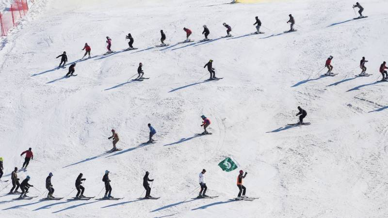Pakistan hopes untapped mountains could lure foreign skiers