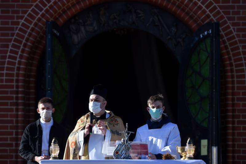 WHO urges stricter measures as Belarus virus cases surge