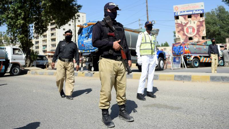 Parts of Karachi Central sealed amid coronavirus threat