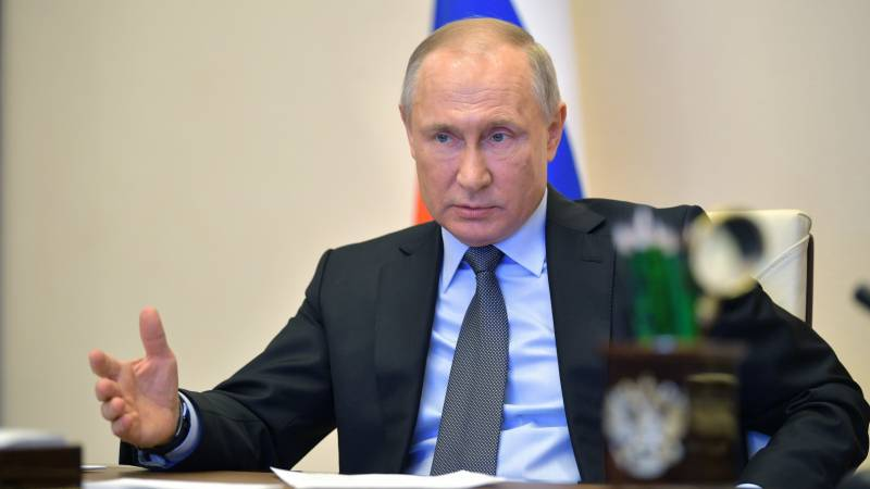 Russian will pay $162 wage at virus-hit firms: Putin