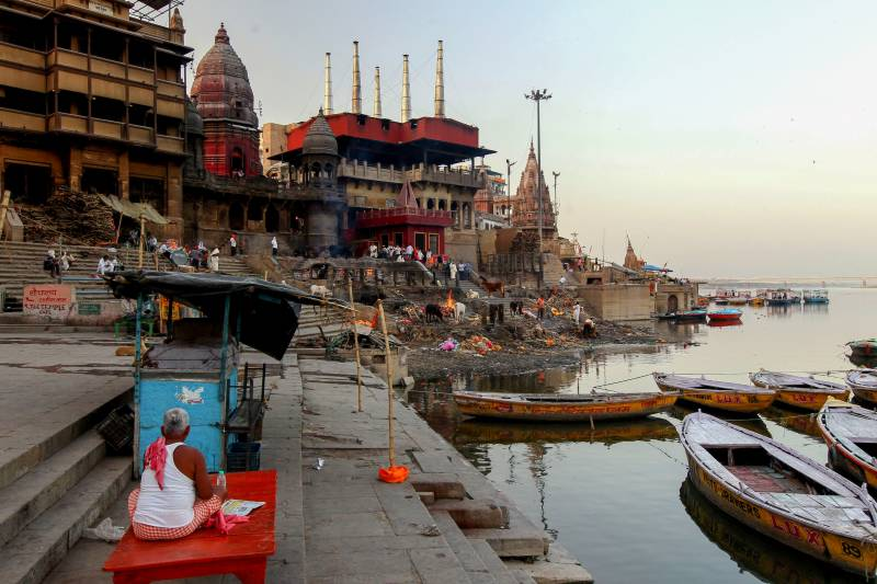 Sleep at last for Varanasi's keepers of cremation fires