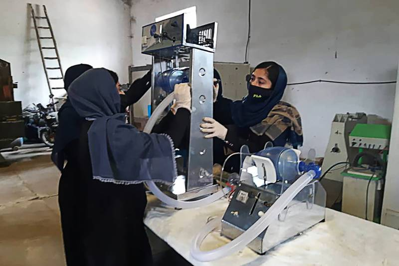Afghan girls try building ventilator from used car parts