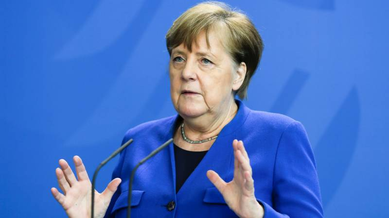 Merkel urges 'transparency' from China on outbreak