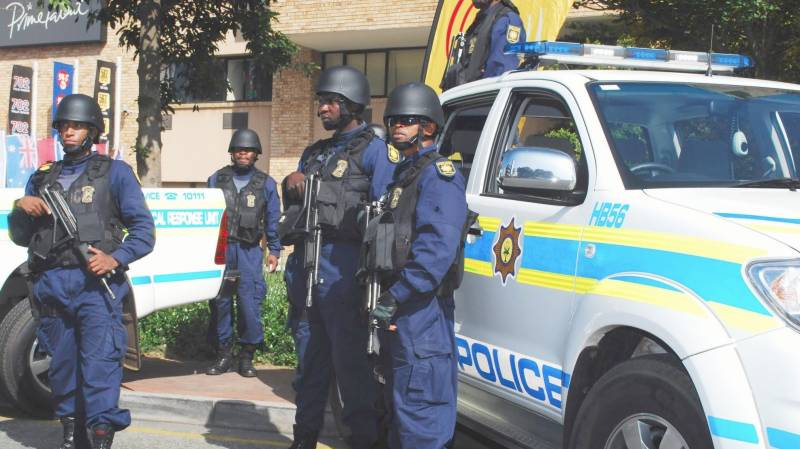 89 South African police arrested for flouting lockdown orders