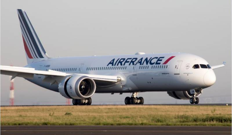 France readying 'historic' package for Air France, Renault