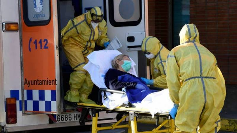 Spain warns of chaos in healthcare system if lockdown not extended