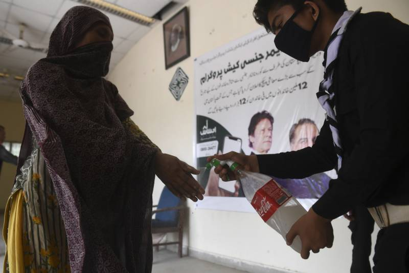 Two localities sealed in Kandhkot as 14 test positive for coronavirus