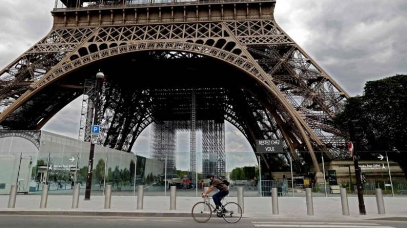 Paris to turn over more streets to bikes post-lockdown