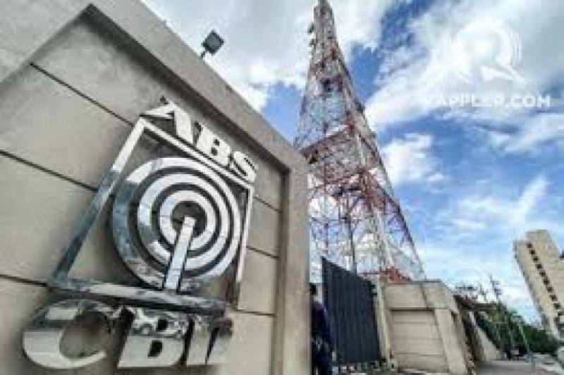 Philippines forces top media network off air