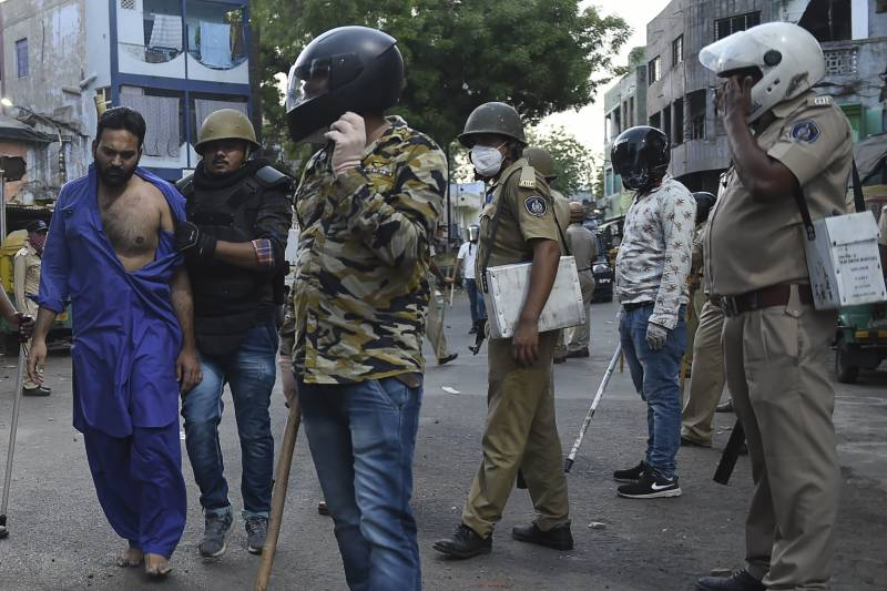 Indian forces clash with lockdown rebels