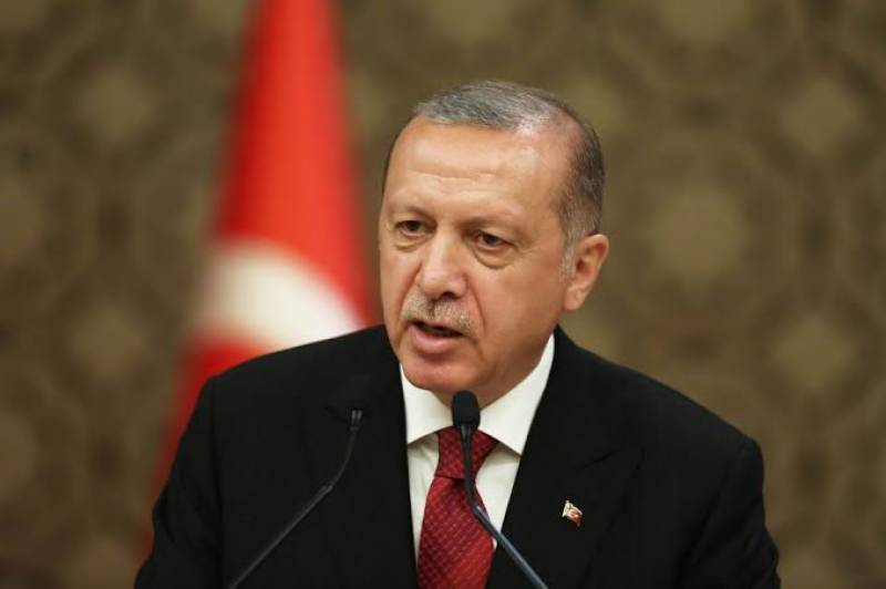 Erdogan attacks opposition mayors over virus aid