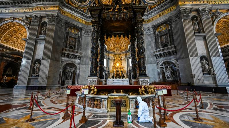 St Peter's Basilica reopens to tourists on Monday