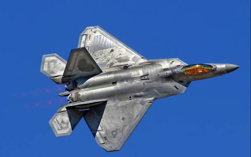 US Air Force F-22 crashes in training flight