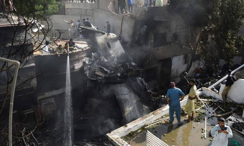 Govt names team to investigate PIA plane crash