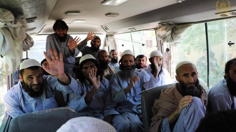 Hundreds more Taliban prisoners freed on last day of Afghan ceasefire