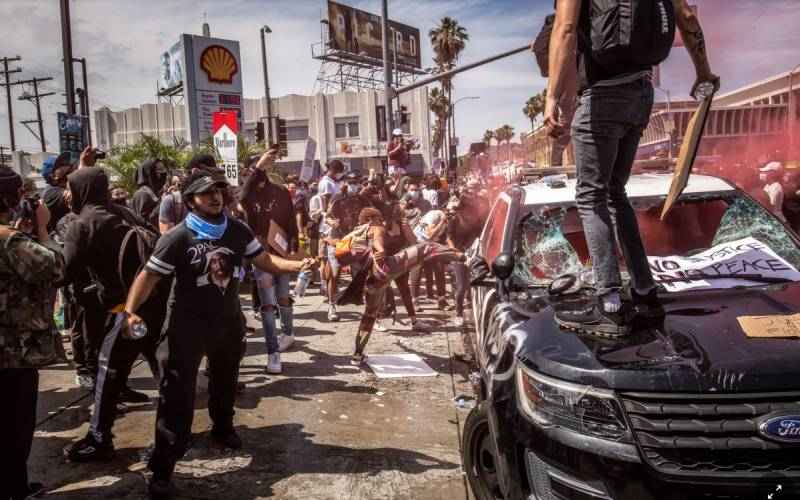 US cities battered by another night of violent protests