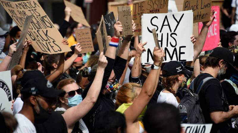 Anxiety rises over attacks on media covering US protests