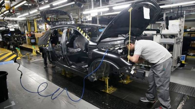 Nissan warns again on no-deal threat to UK car plant