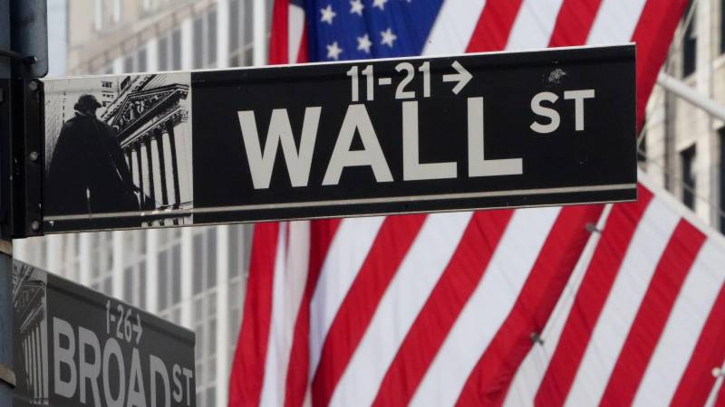 US stocks open higher, extending rally on recovery hopes