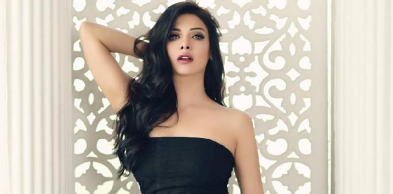 Sara Loren reveals first look of her film 'Ishrat made in China'