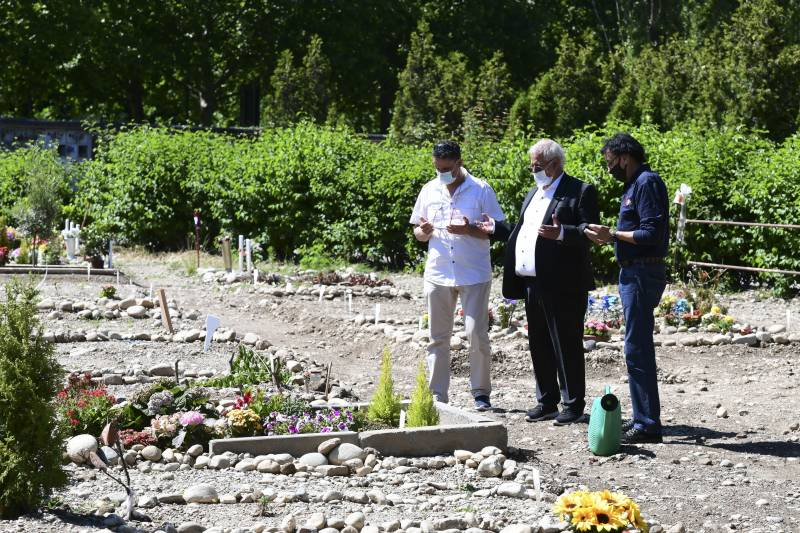 For Italy's Muslims, lack of burial space deepens grief in pandemic