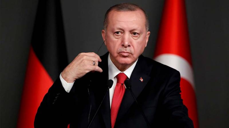 Turkey lifts confinement order for over-65s, under-18s