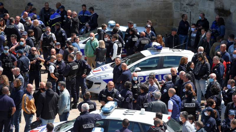 Furious French police protest racism claims