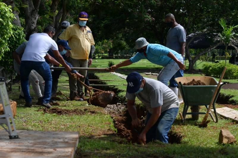 Panama finds bodies in mass grave from 1989 US invasion